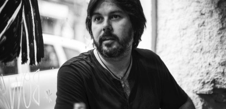 Manuel Cuesta: «La época de los cantautores de La Carbonería fue como la revolución del 68, tuviste que estar ahí para vivirla»